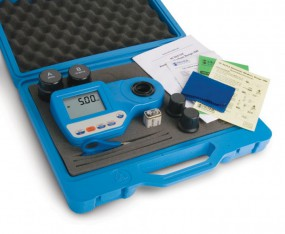 HI96727C Kit inklusive HI 96727 Photometer, Hartschalenkoffer, 2 Probenküvetten, Schere, Küvetten-Re